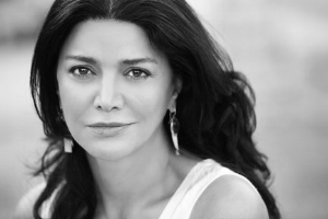 Shohreh Aghdashloo  is one of the most beautiful women in the world. Her voice is amazing. I'm not sure her voice fits Vi's, as in my mind Vi has a northern English accent, but the likeness is good.
