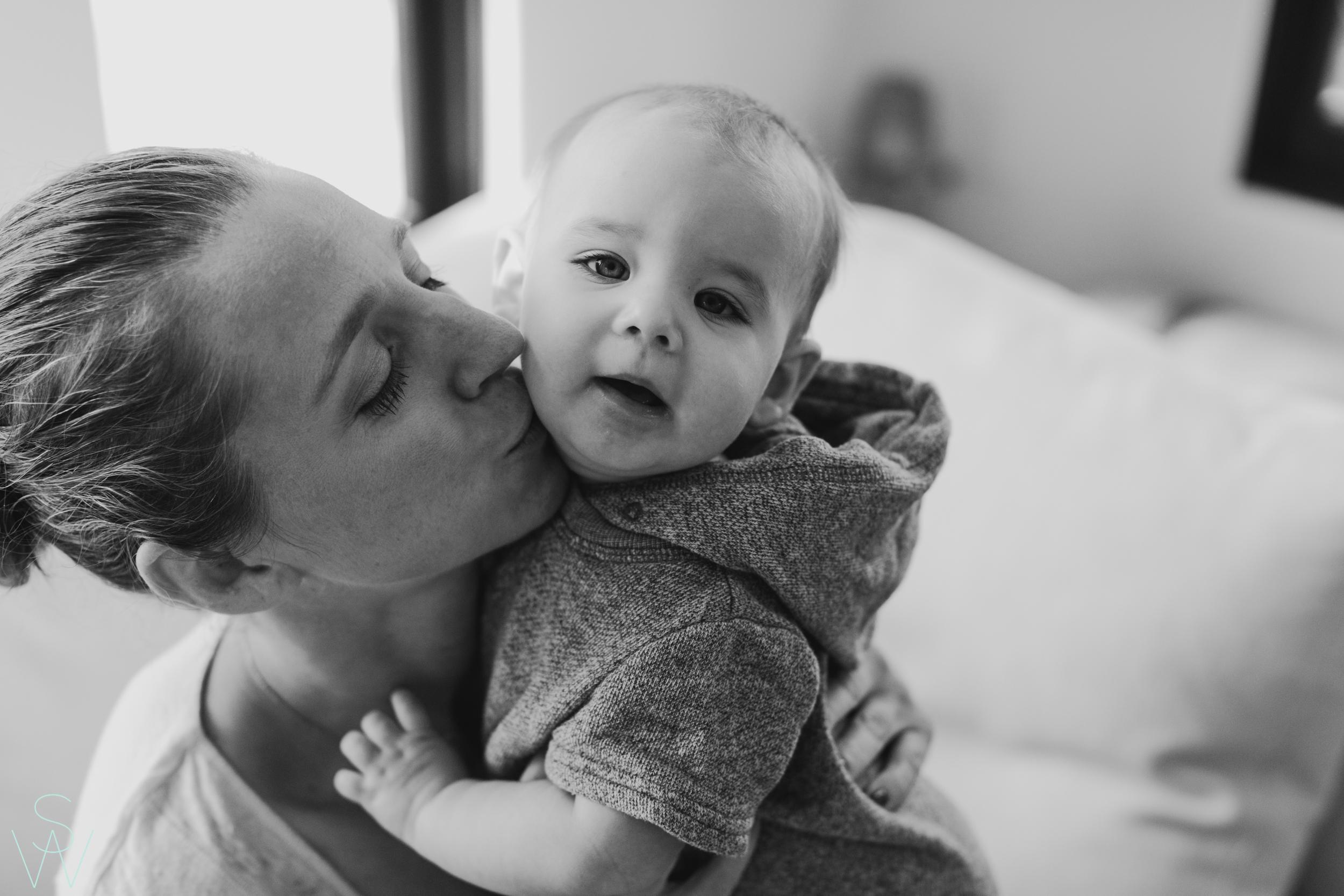 1041shewanders.point.loma.family.portraits.jpg
