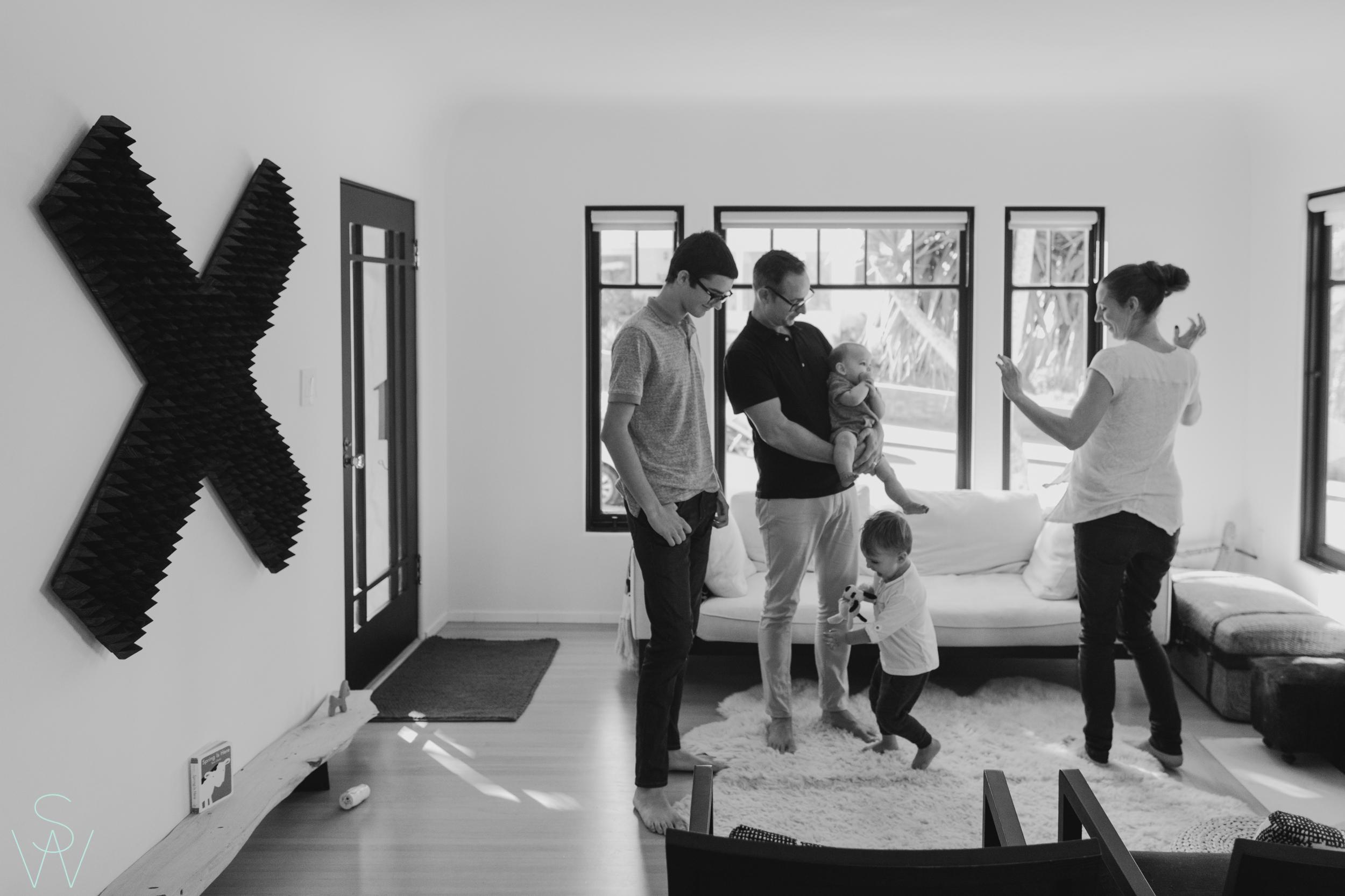 1049shewanders.point.loma.family.portraits.jpg