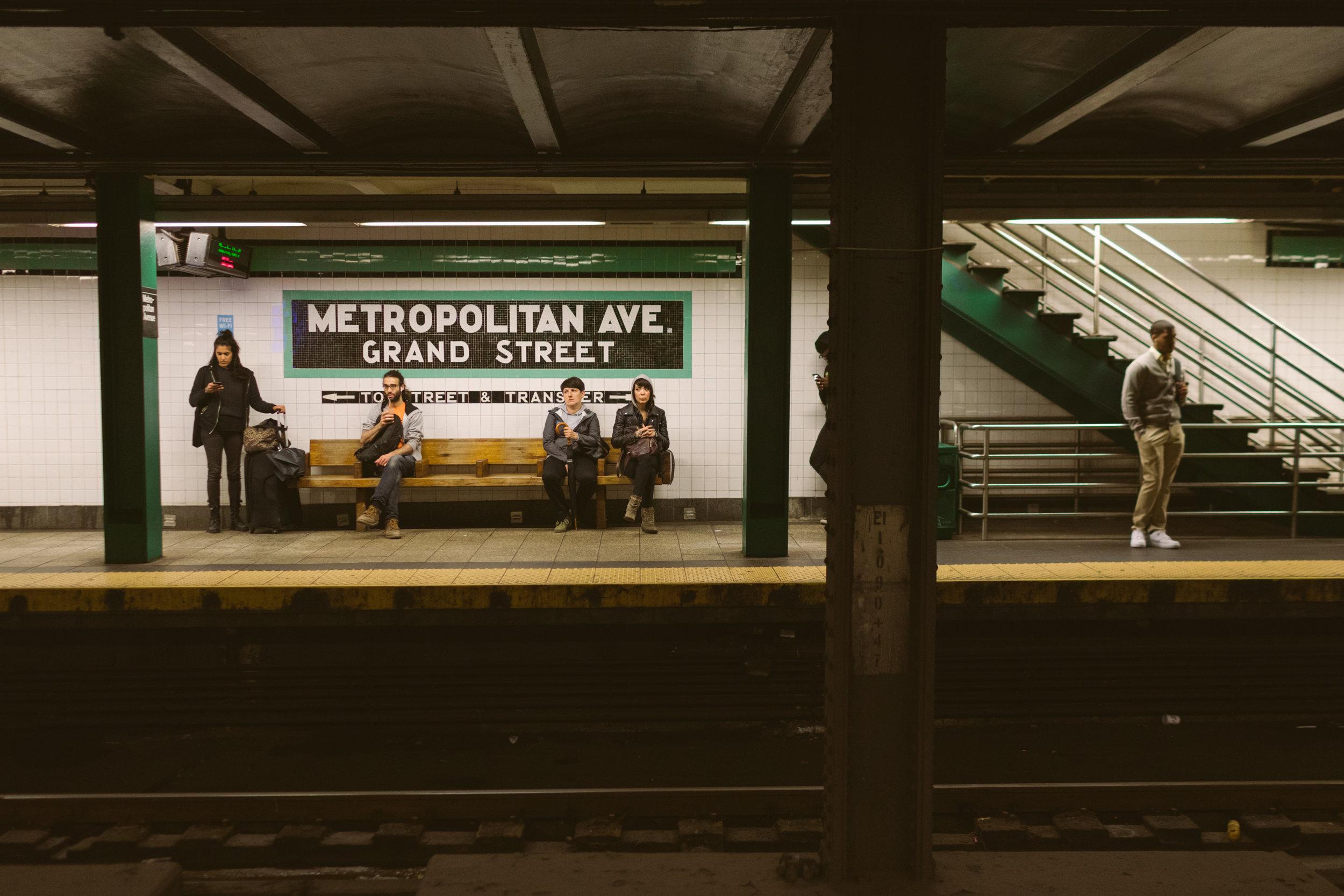 1023.shewanders.loves.new.york.art.museums.jpg