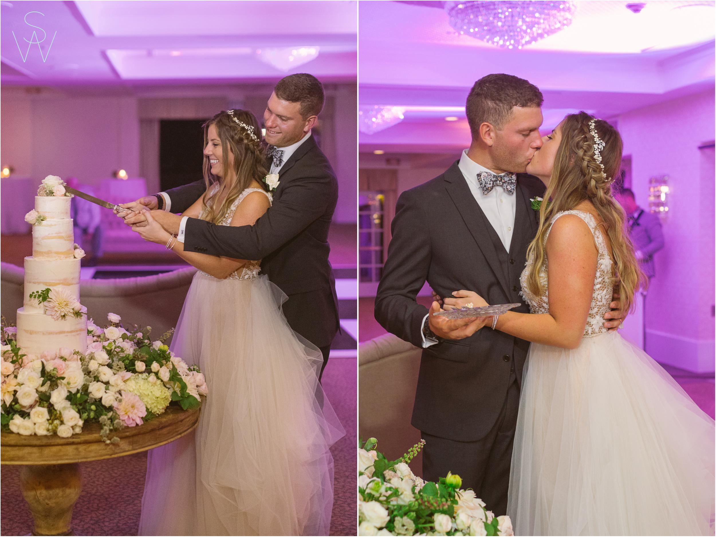 234Lauberge.shewanders.wedding.cake.cutting.photography.JPG