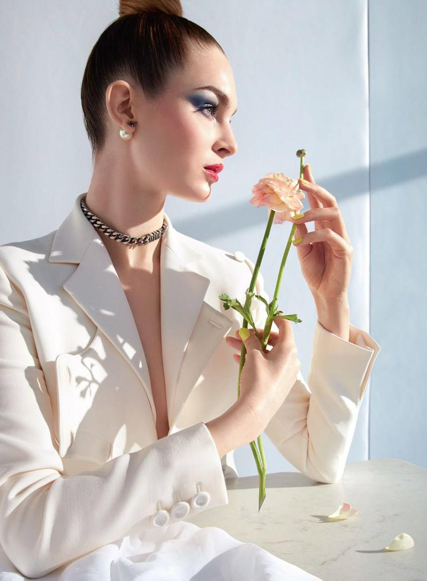 Dior-Magazine-Spring-Summer-2017-Teddy-Quilivan-Laura-Love-by-Camilla-Akrans-2.jpg