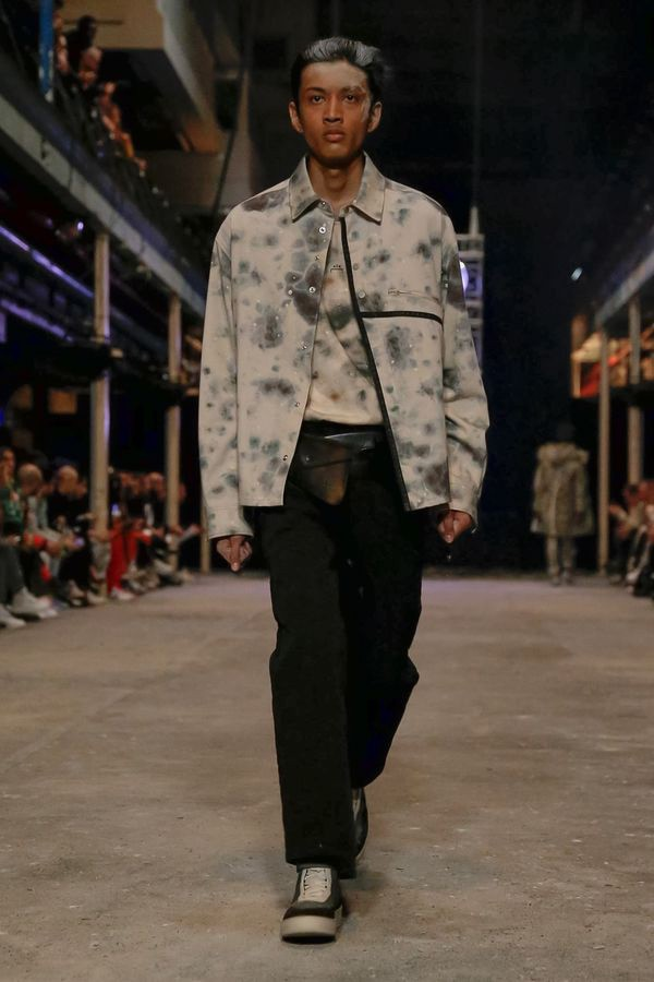 https___hypebeast.com_image_2019_06_a-cold-wall-spring-summer-2020-london-fashion-week-runway-5.jpg