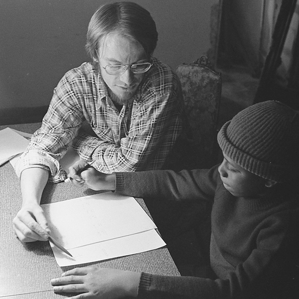 man_tutoring_square.png