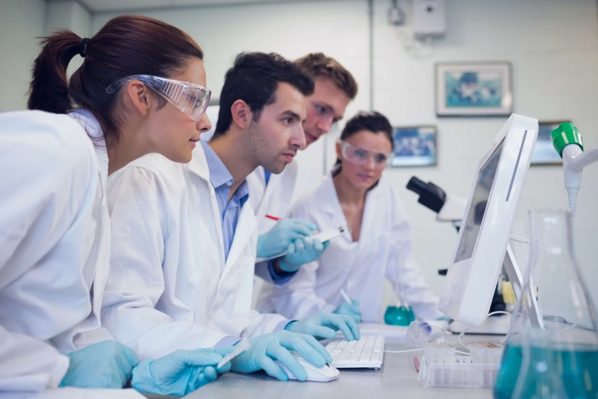 medical students in a lab