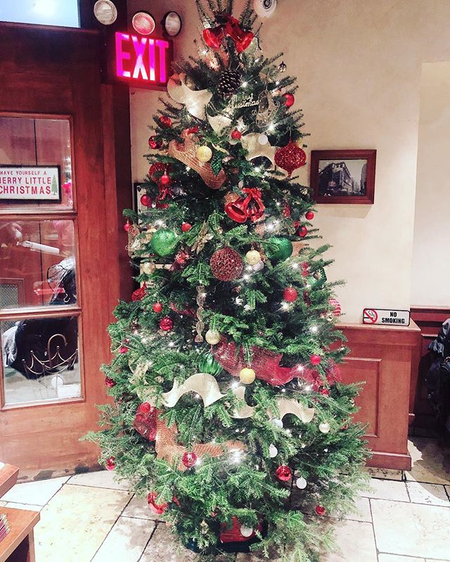 Happy holidays from Patsy's Pizzeria! #holiday #christmas #christmastree🎄#patsys