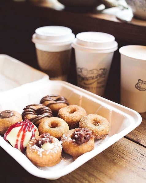 Starting the morning off right. ☕️🍩 (pc:@ttaaang)