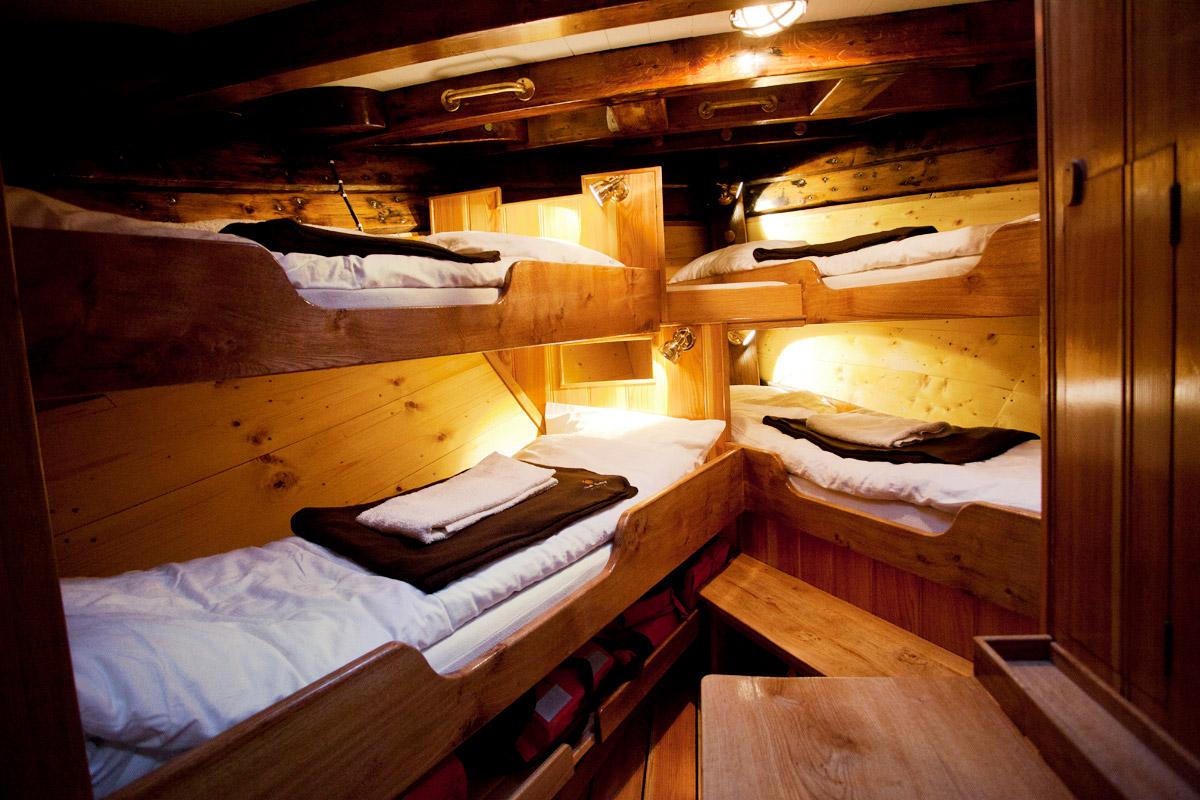 4-pax-cabin-front-in-schooner-hildur.jpg