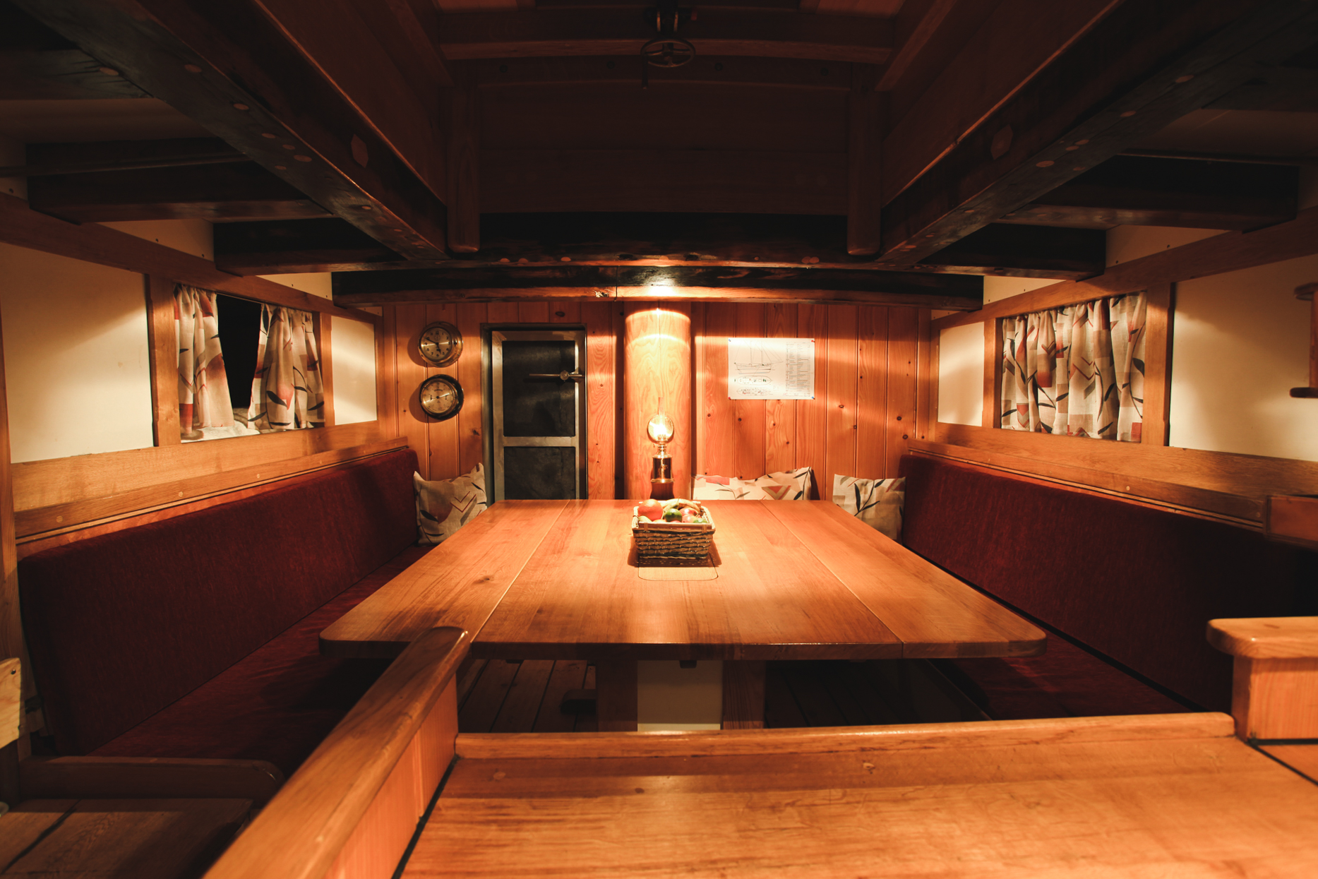 benjamin-hardman-iceland-common-area-below-deck-in-schooner-hildur.jpg