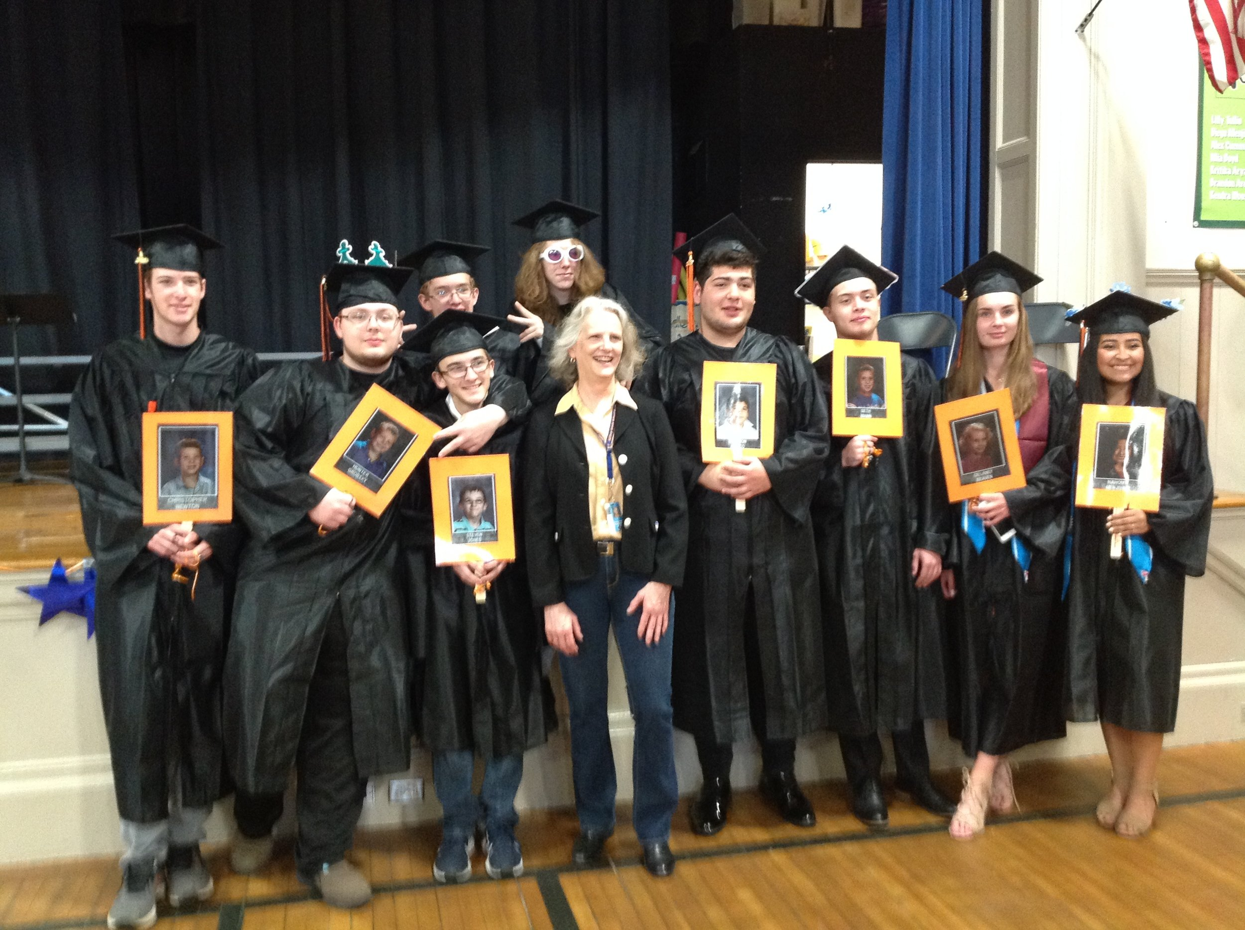 Seniors at JGS (2).JPG