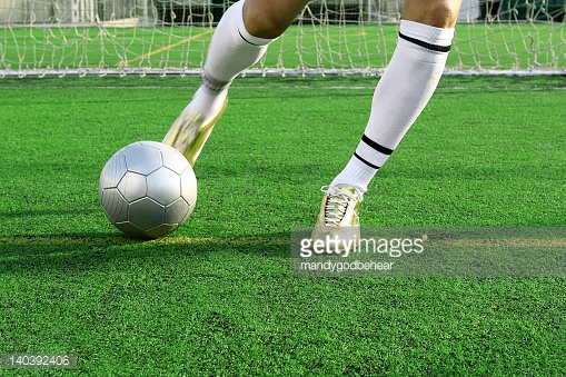 Soccer Specialty Clinic – Our ongoing, 60-minute drop-in clinics covering rotating game scenario topics (learn more…)