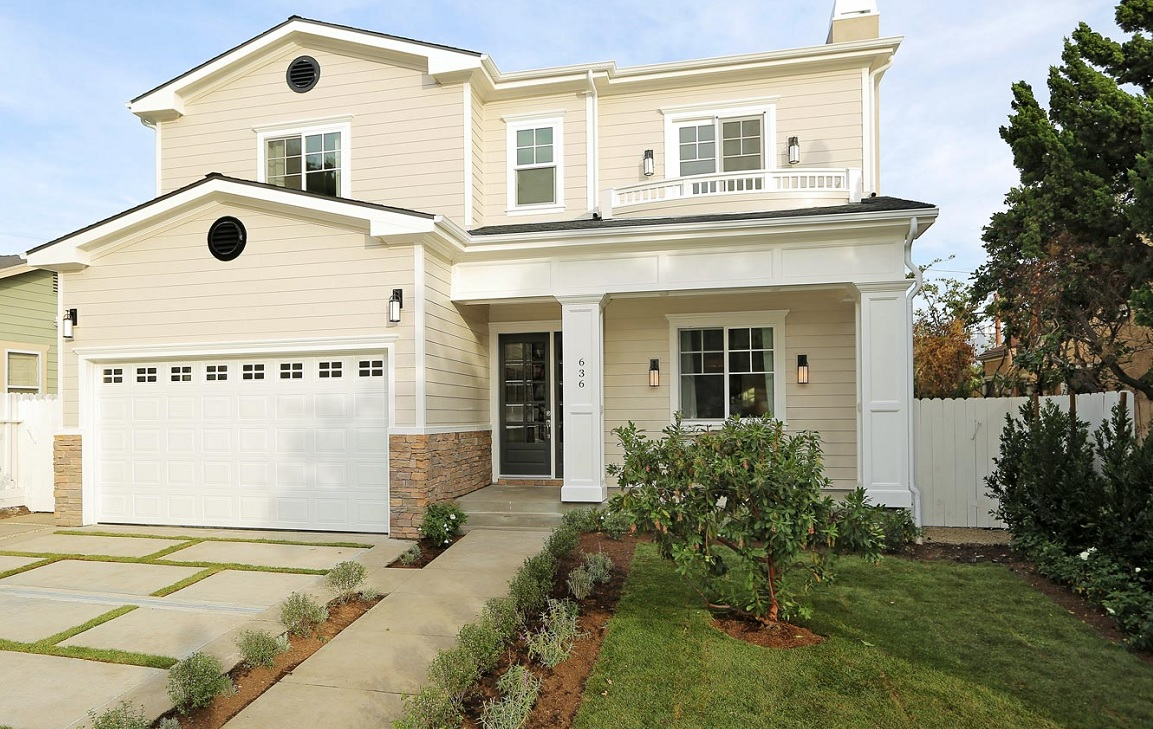 SOLD!  $2,526,000   636 N. Stanley Ave.