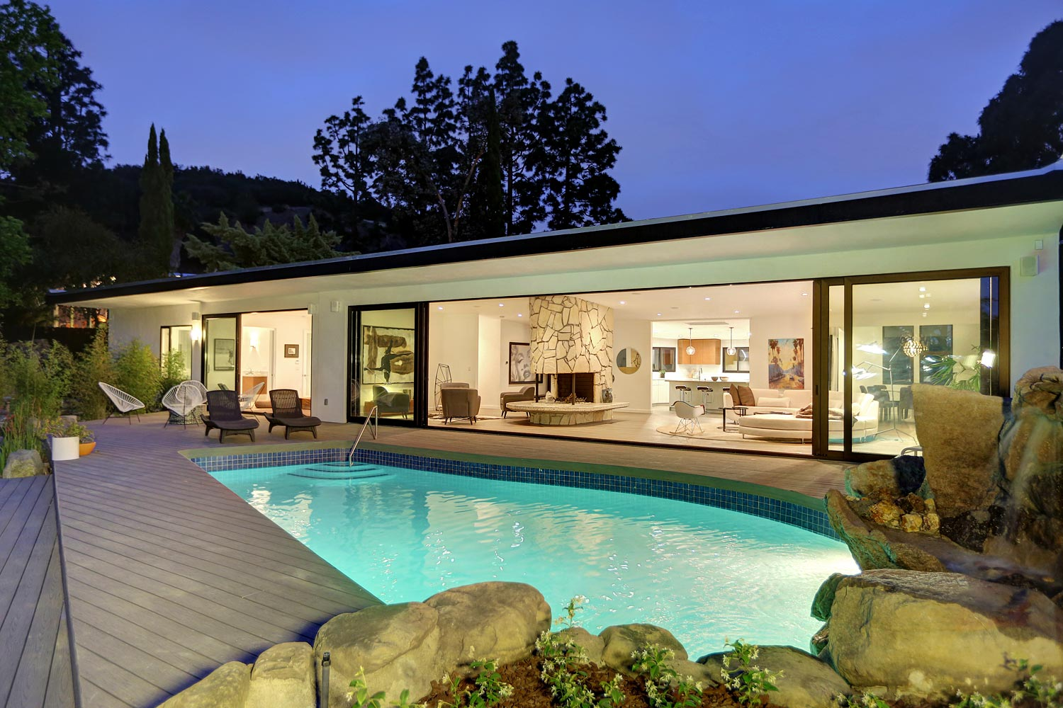 SOLD!  $2,775,000   3014 Paulcrest Drive