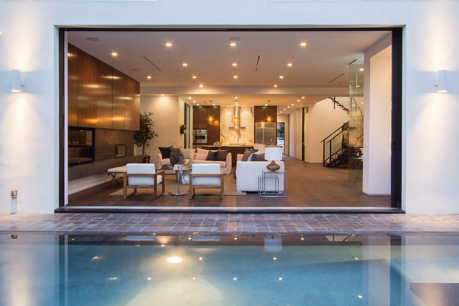 SOLD!  $2,925,000   128 S. Almont Drive