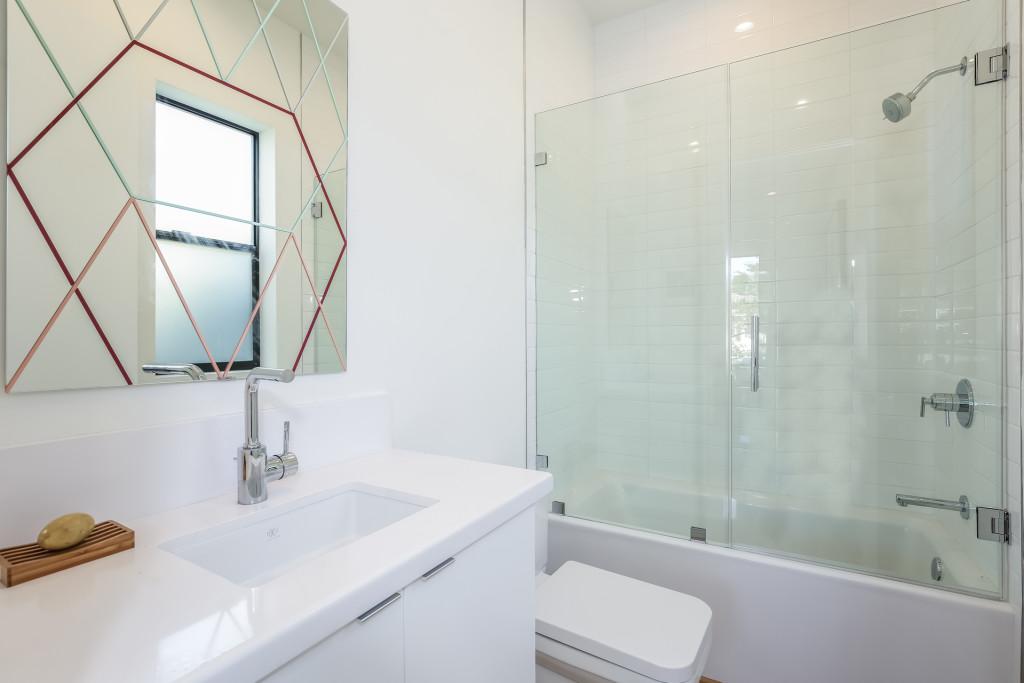 021-Bathroom-1982655-medium-1024x683.jpg