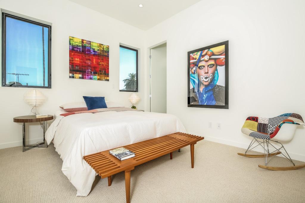 027-Bedroom-1982670-medium-1024x682.jpg