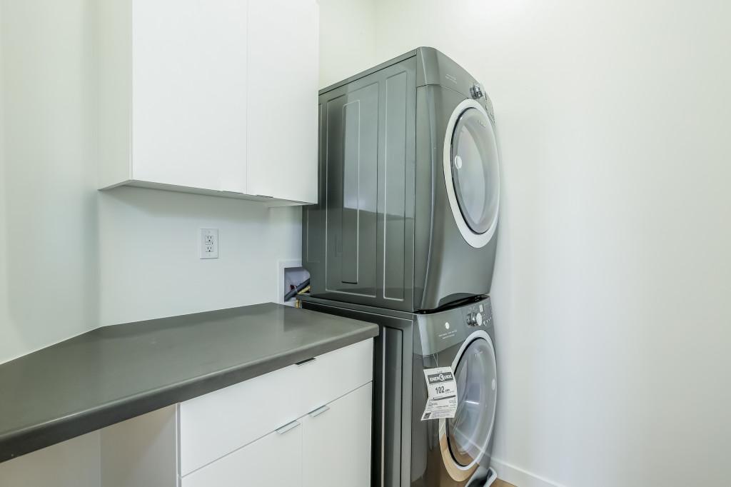 039-Laundry_Room-1982686-medium-1024x682.jpg