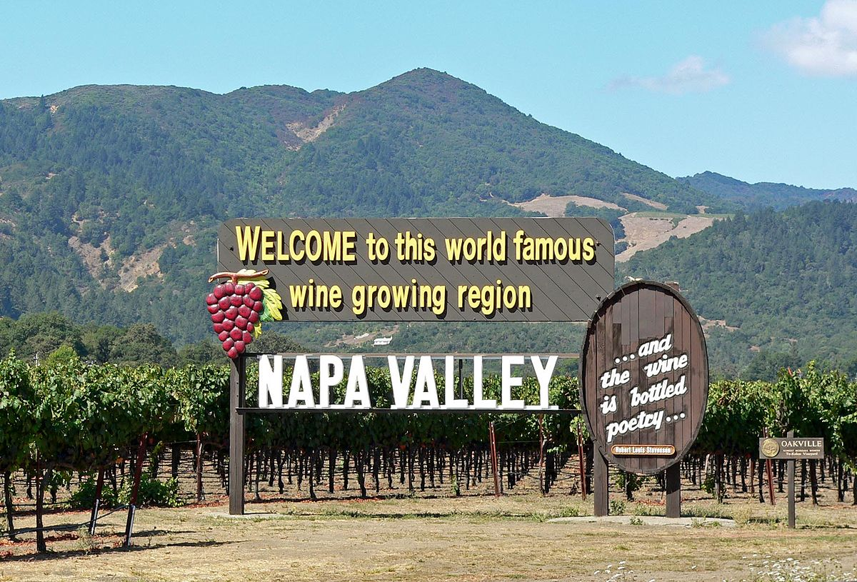 1200px-Napa_Valley_welcome_sign.jpg