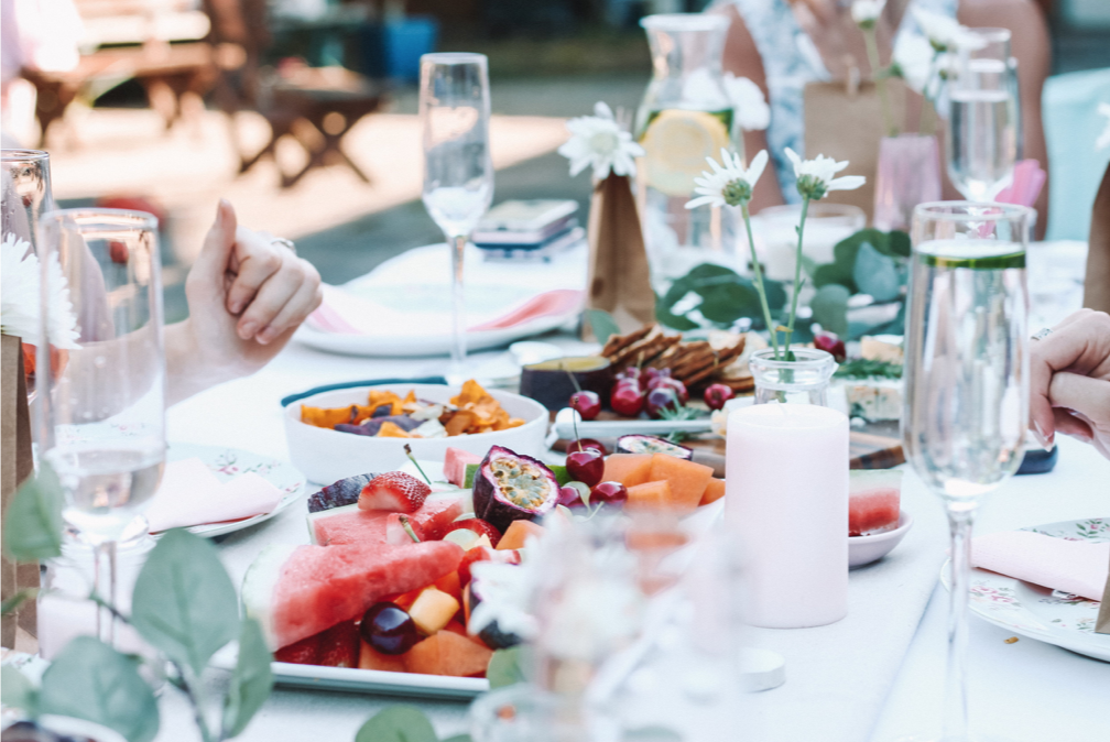 Eating should be lovely, not fear provoking. It should fill you up body, mind, and soul, so if your current diet isn't fitting all three aspects, let's try to find you a new balance.