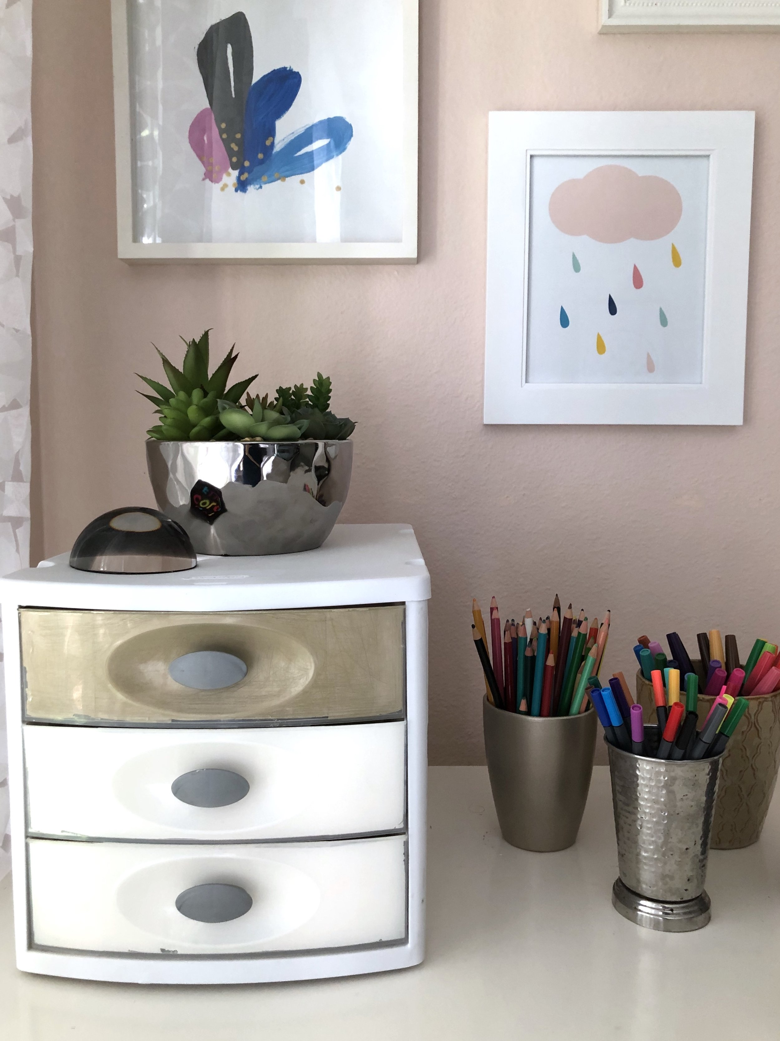 I also only wanted to accessorize with functional items, like my beautiful rainbows of art supplies in decorative vases. My hubby also helped me diy to declutter and chic-up the desk organizer with some leftover gold and white spray paint.