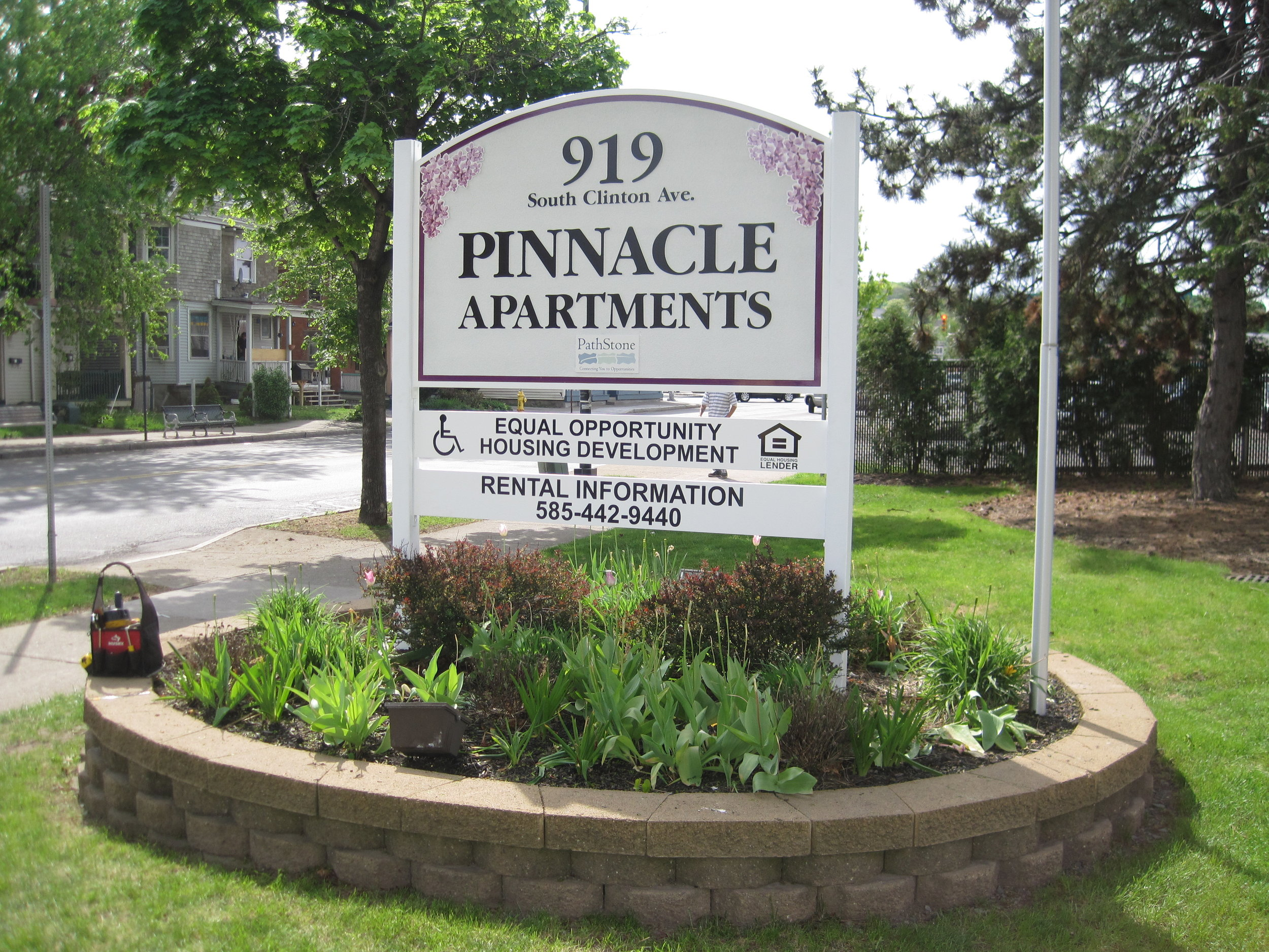 Pinnacle apts HDU.JPG