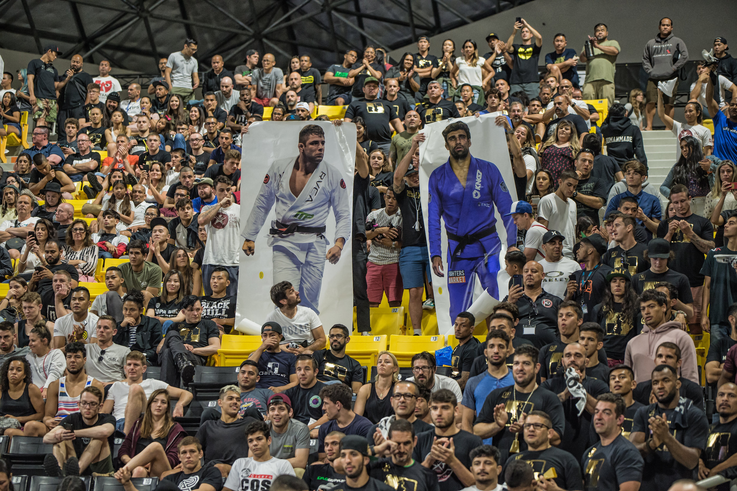 After Buchecha gave Lo the Gold, the crowd unveiled these giant LisaLisaPics in support for both athletes! Yea!! Big thanks to BJJ Marketing for making that happen!