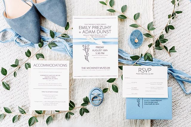 Detailing has to be one of many favorites that I photograph on wedding day! Just seeing all the little details come together in one photograph! 🙌  Invitation Suite Designer: Amanda Kelly