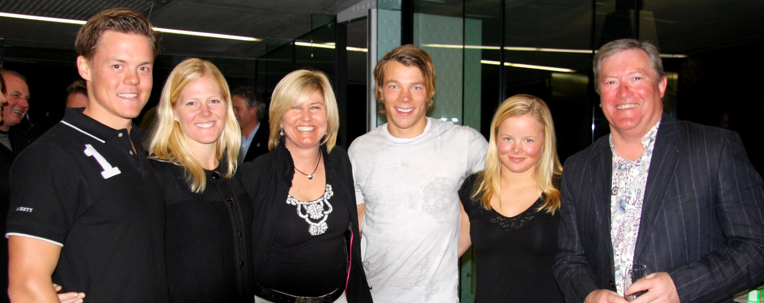 Snowvision event to raise funds for the New National Ski Team. The Swedish Ski Team (pictured above with The Snowvision Foundation's Co-Founder and CEO Fiona Stevens) attended and donated an auction prize.