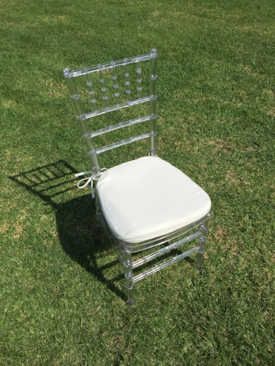 "Clear Chiavari Chair with Ivory Cushion  Dimensions: 19"" wide x 17"" deep x 30"" tall"