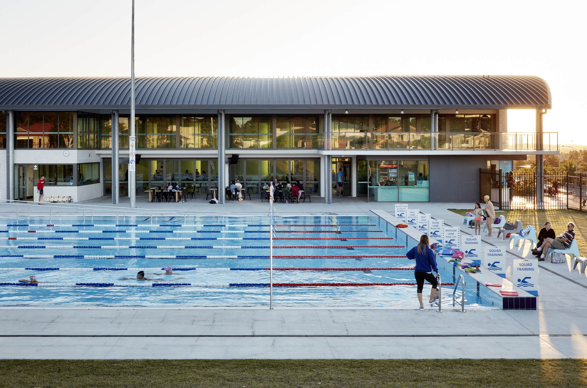Parkinson Aquatic Centre_Ext 02_SML.jpg