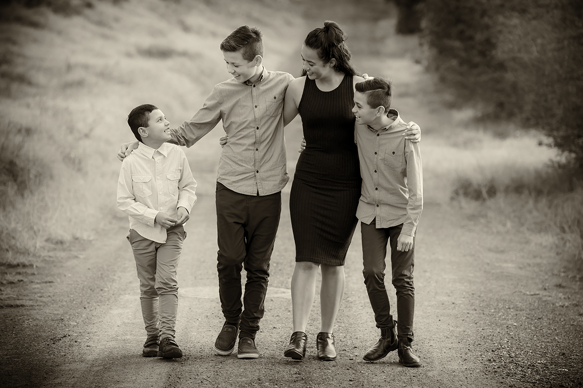 outdoor children family photograph