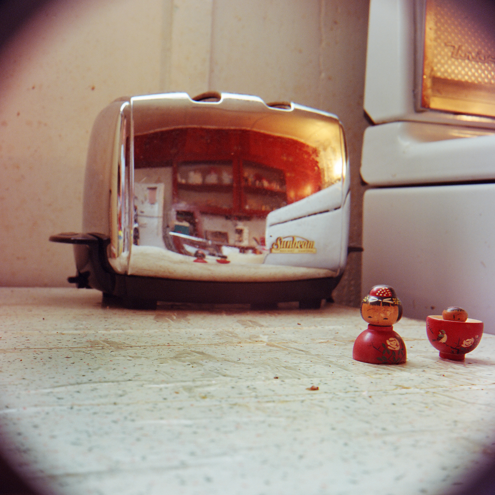 76_doll_toaster.jpg