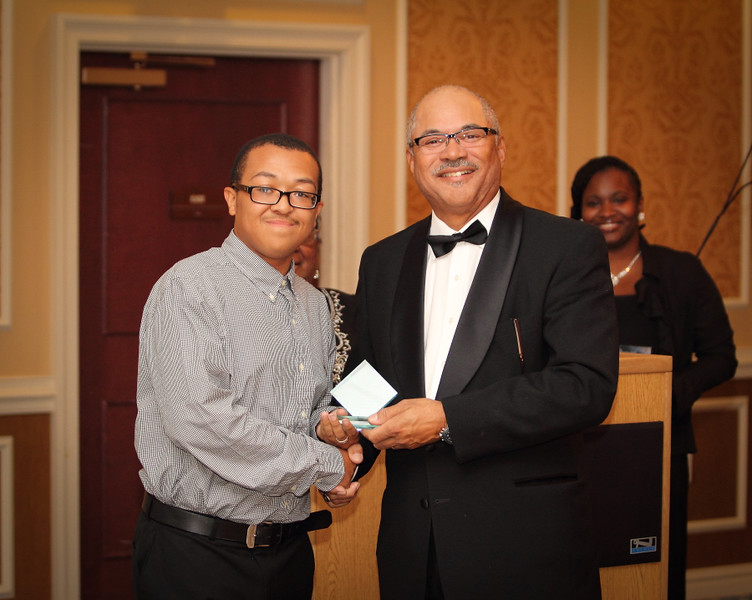 Isaiah Vann 2014 Small Business Award.jpg