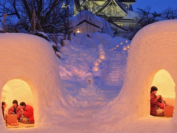 SKI Trek - Travel to Hokkaido Niseko.   Discover traditional events in winter and explore snow world.