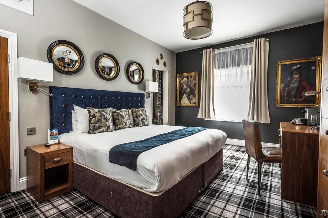 mercure-nottingham-city-centre-hotel-suite.jpg