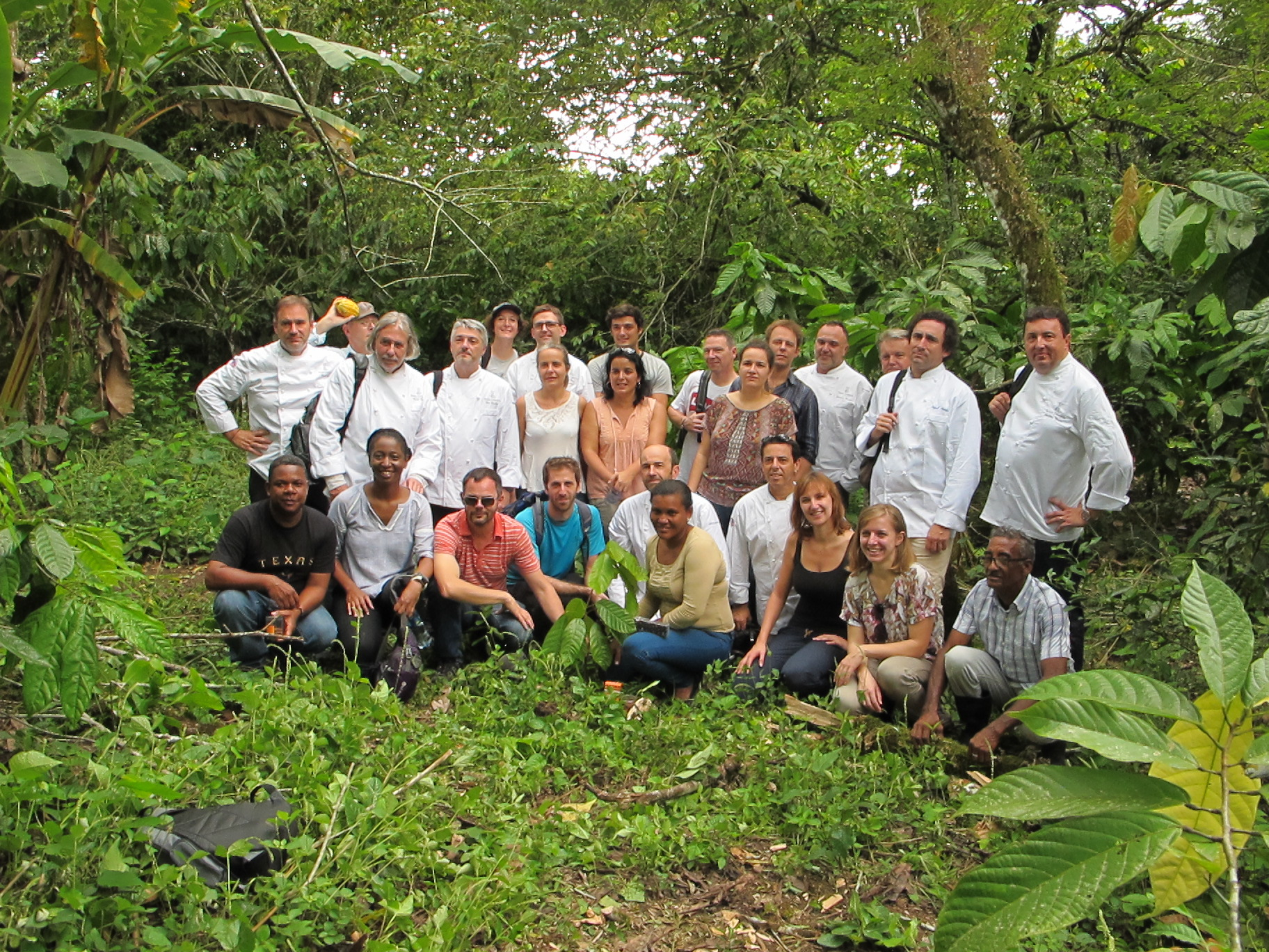 Representatives of Conacado, Cirad, Earthworm Foundation, Alter Eco, Relais Desserts, Valrhona and Weiss