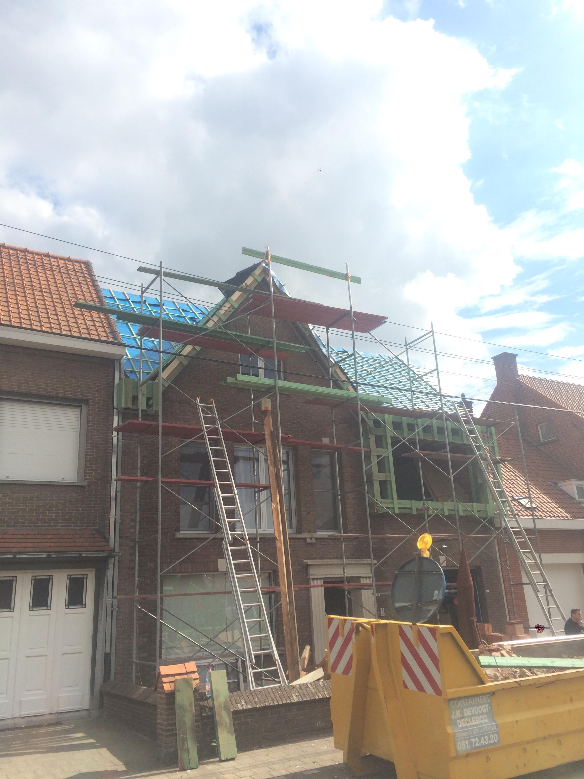 Vervangen dak Roeselare.jpg