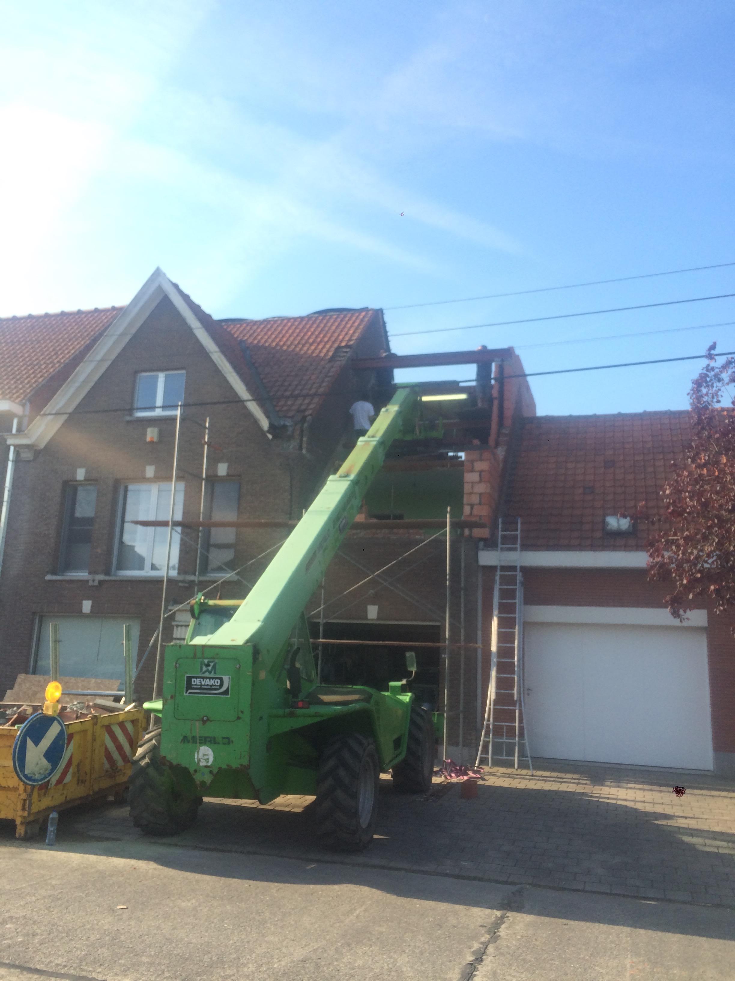 Volledige dakrenovatie met uitbouw dakkappel Brugge.jpg