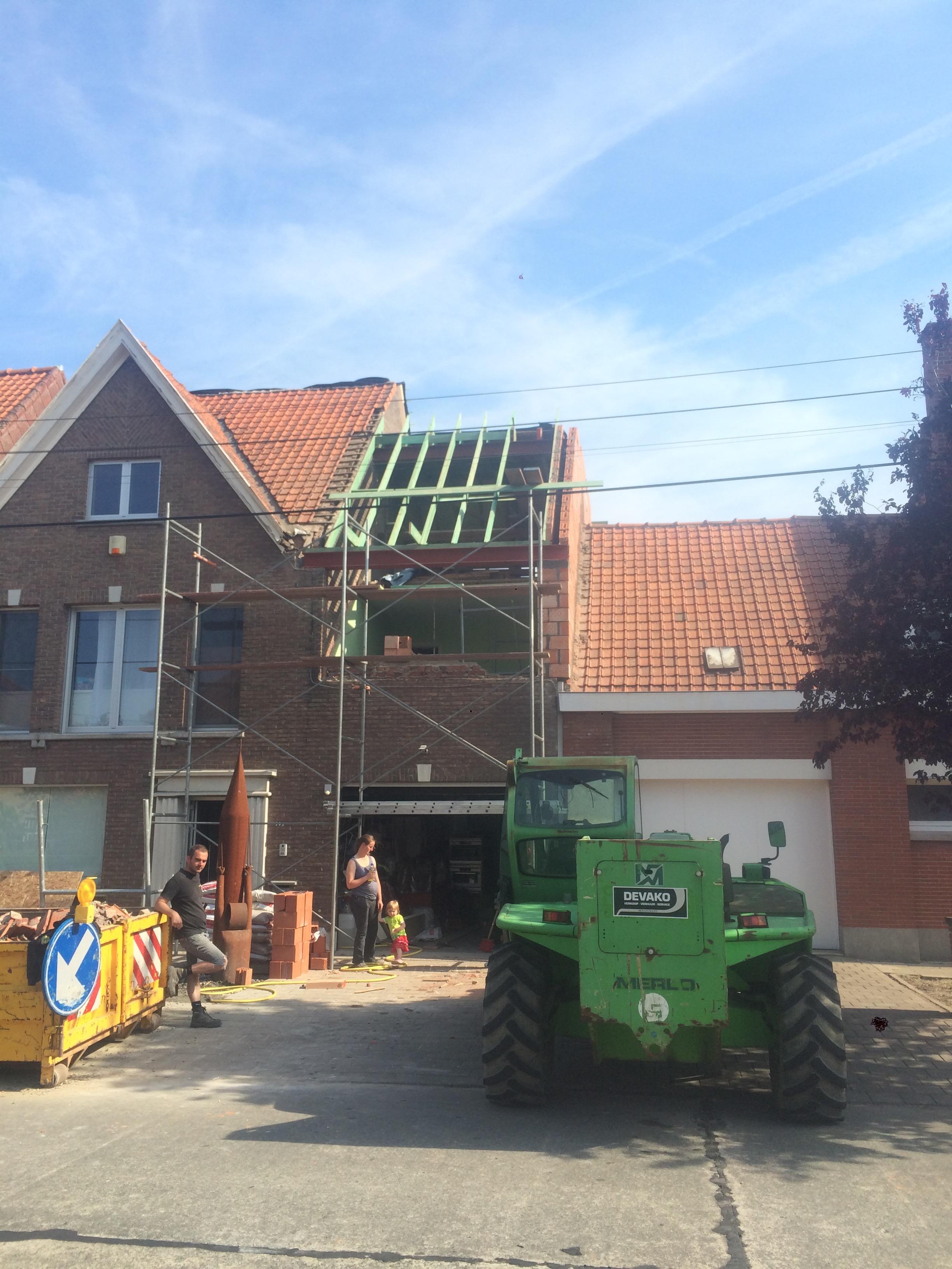 Volledige dakrenovatie met uitbouw dakkappel Roeselare.jpg