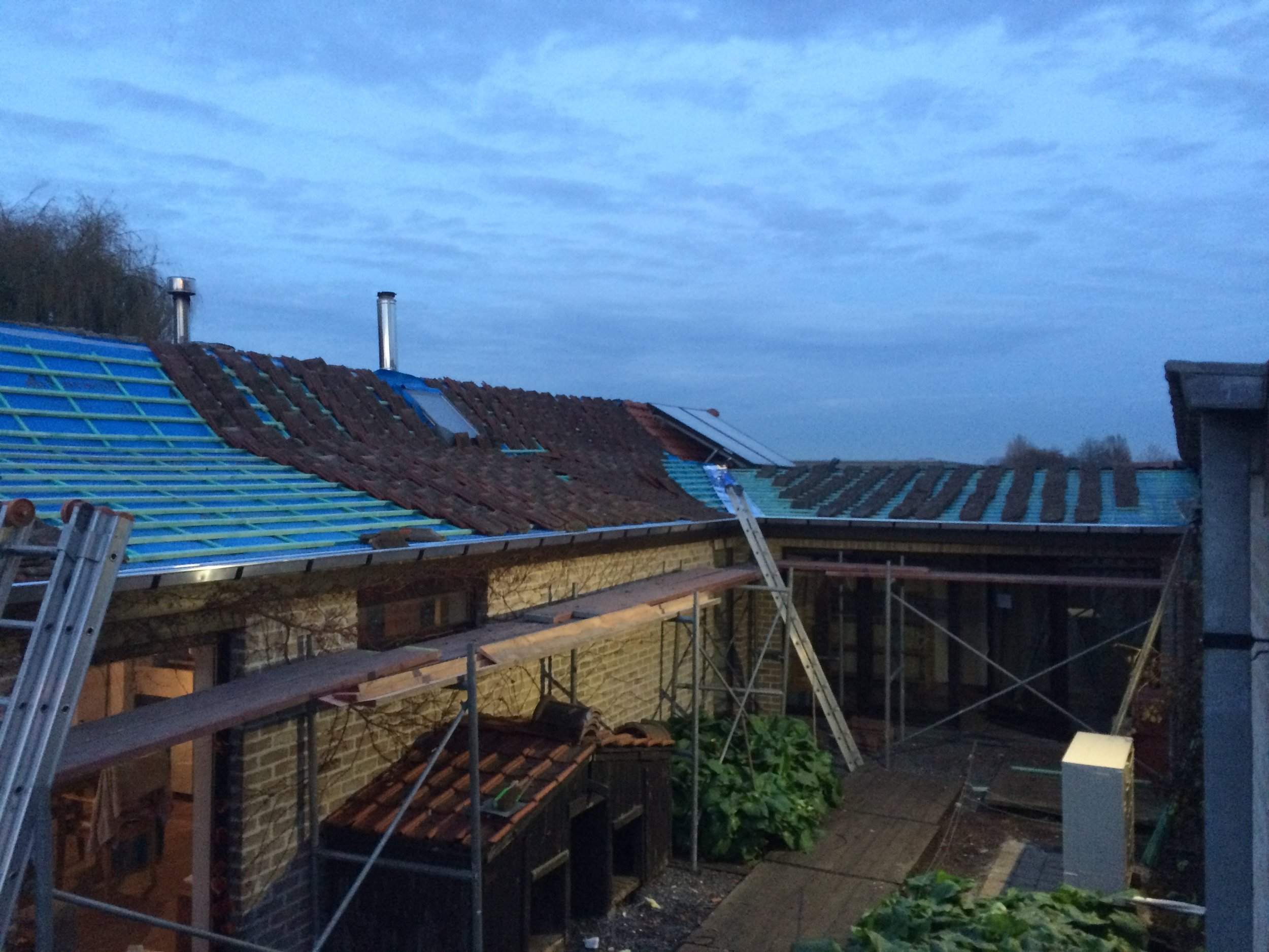 Vernieuwen dak Izegem.jpg