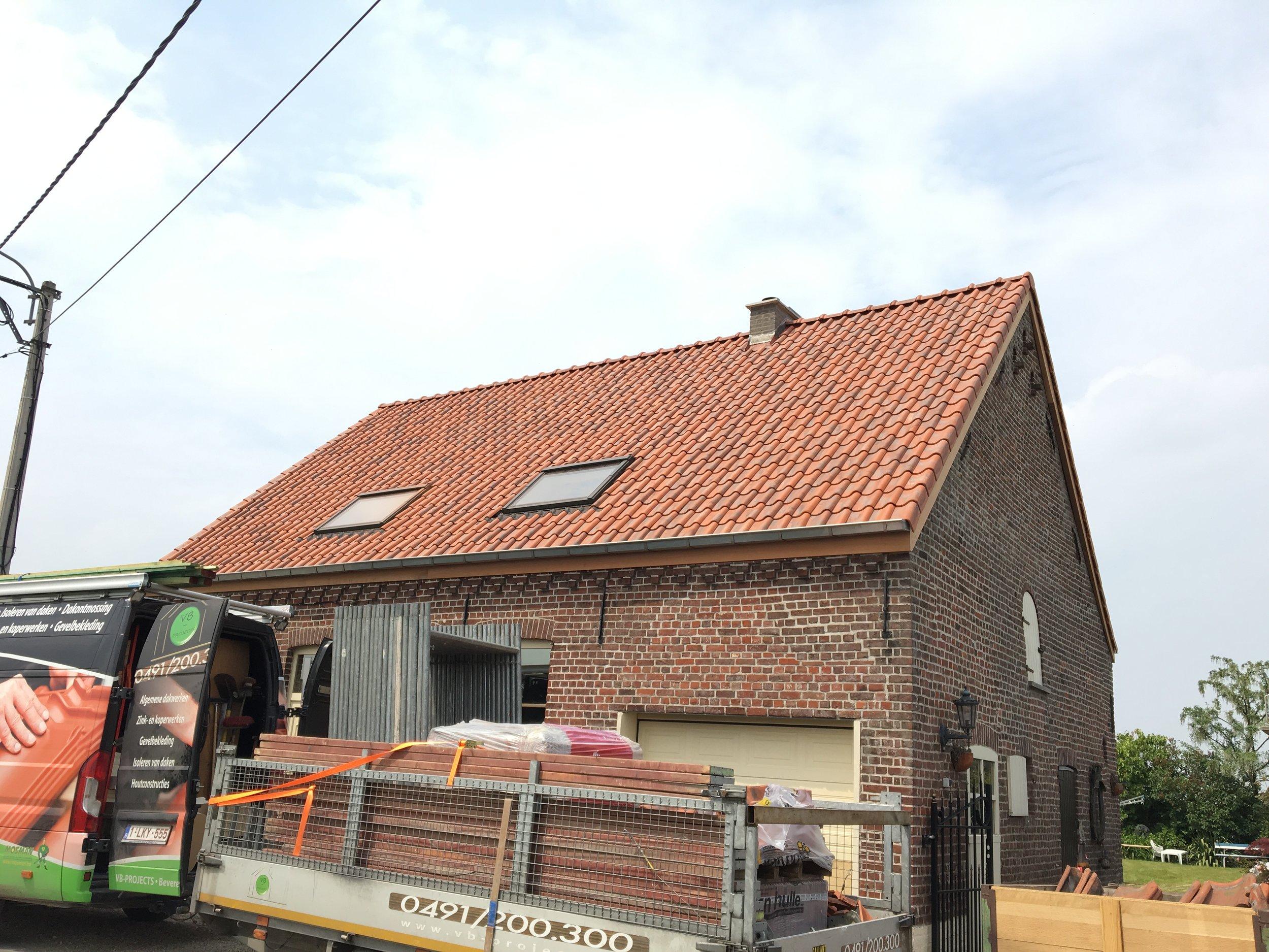 renovatie dak Kortrijk.jpg