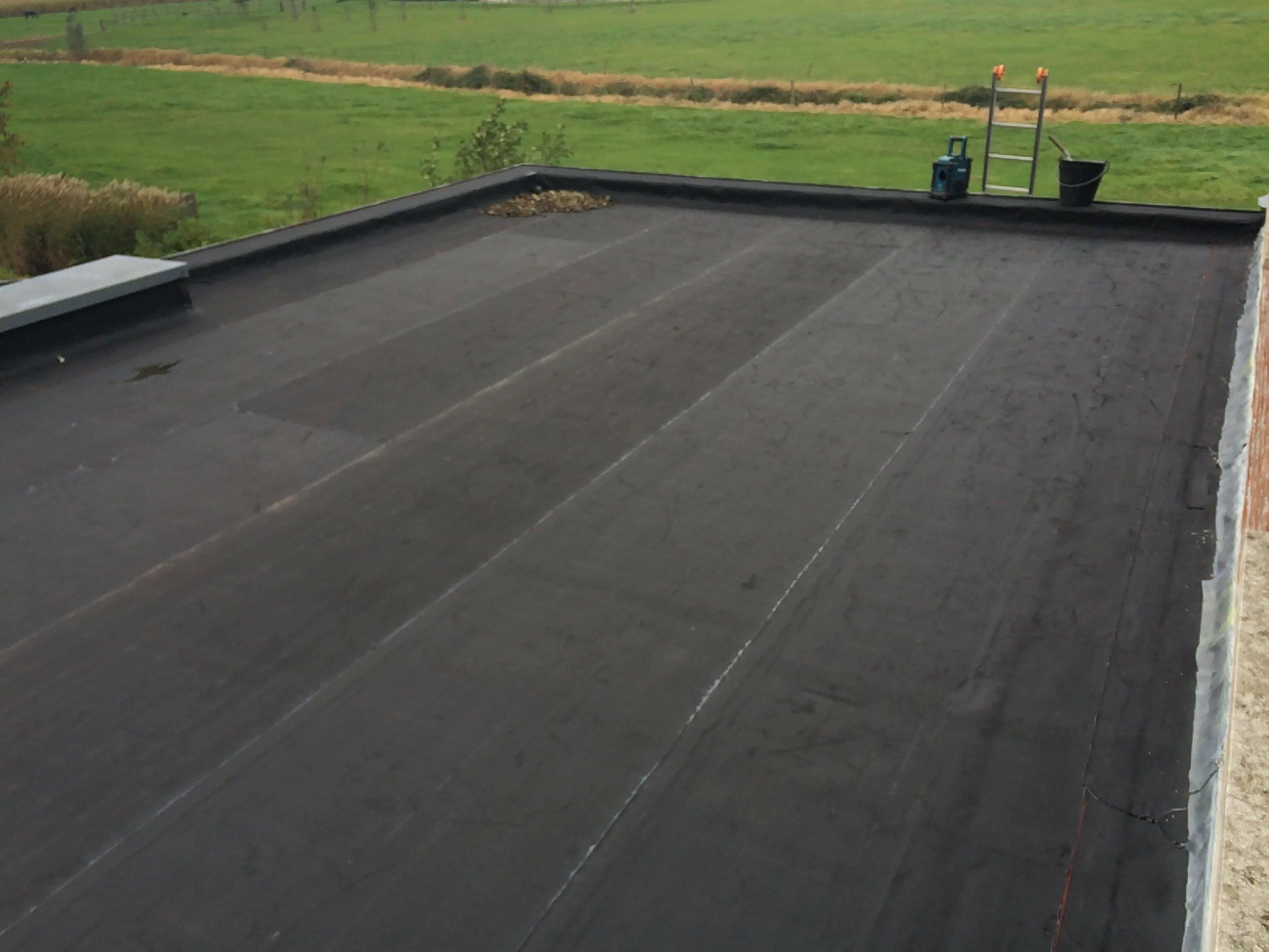 Vernieuwen EPDM plat dak West-Vlaanderen.jpg