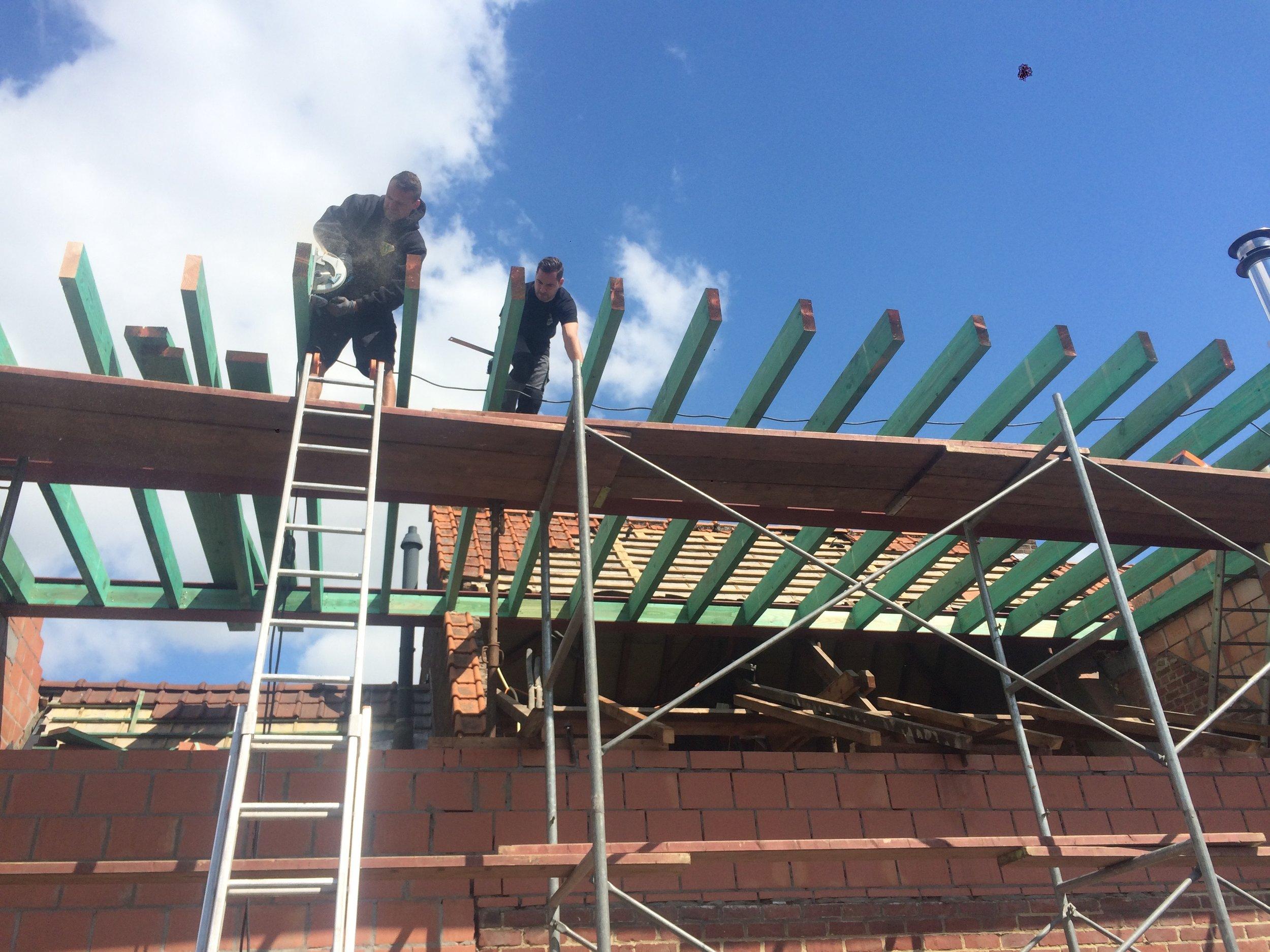 Plat dak - uitbouw - Kortrijk.jpg