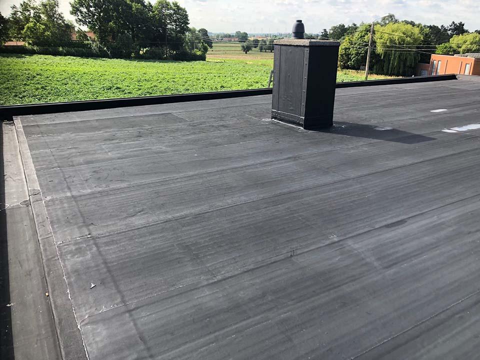 Renovatie plat dak resitrix Hooglede.jpg