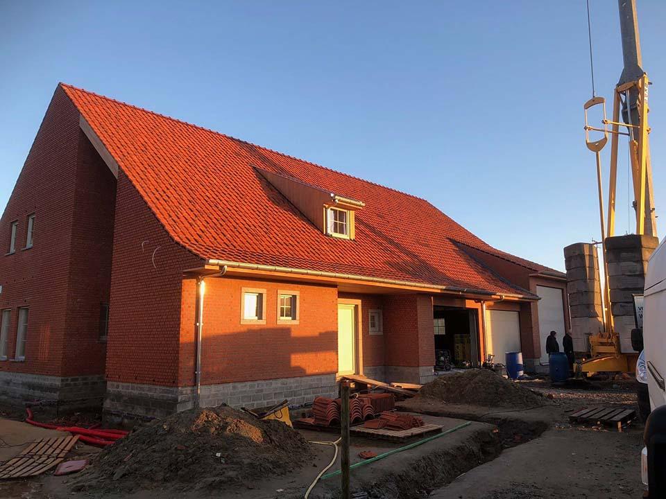 Nieuwbouwdak Roeselare.jpg