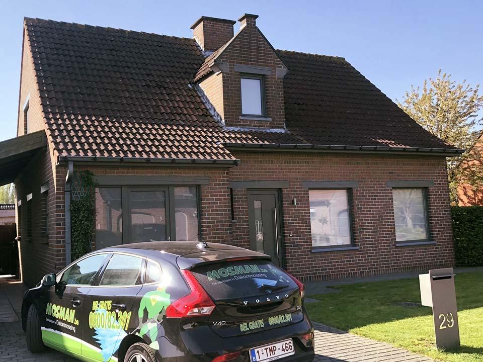 Ontmossen dak - Kortrijk - voor.jpg