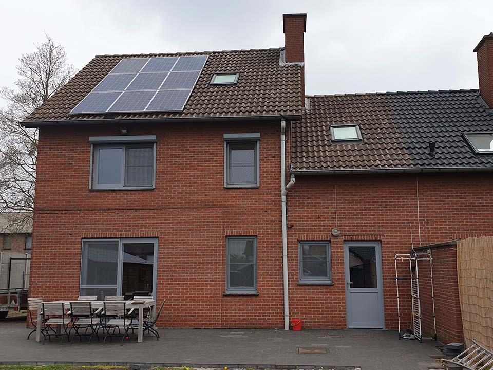Dakontmossing - dakpannen - Roeselare voor.jpg