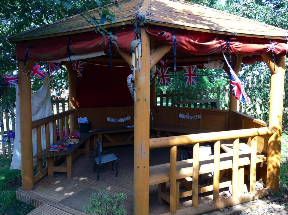 ur beautiful outdoor gazebo gives shelter and inspires imagination all year round!