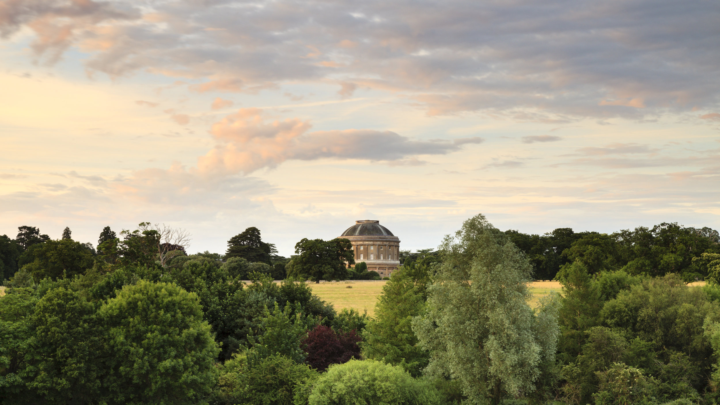 Ickworth view of Rotunda -© Justin Minns.jpg
