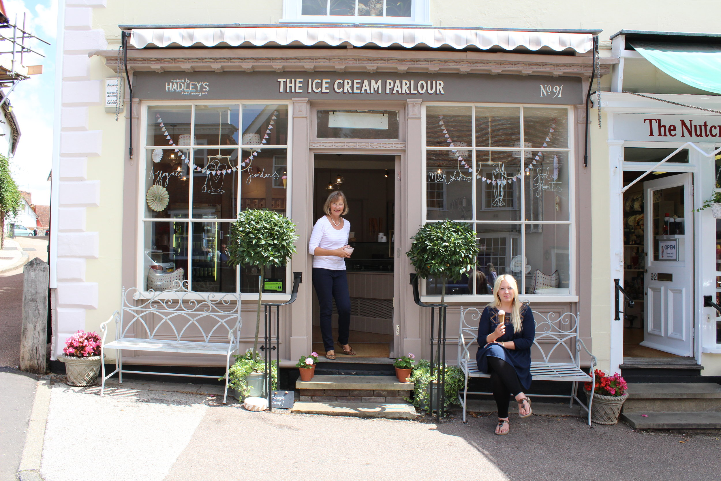 ICE CREAM PARLOUR - Enjoy Handmade by Hadley's delicious, Great Taste Award Winning Ice Creams, Sorbets and Hot Chocolate at The Parlour on Lavenham's historic High Street.